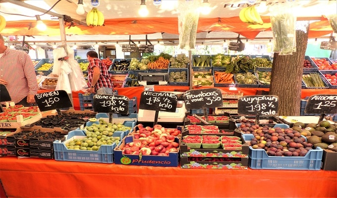 Farmers Market Gastronomic Food Tour