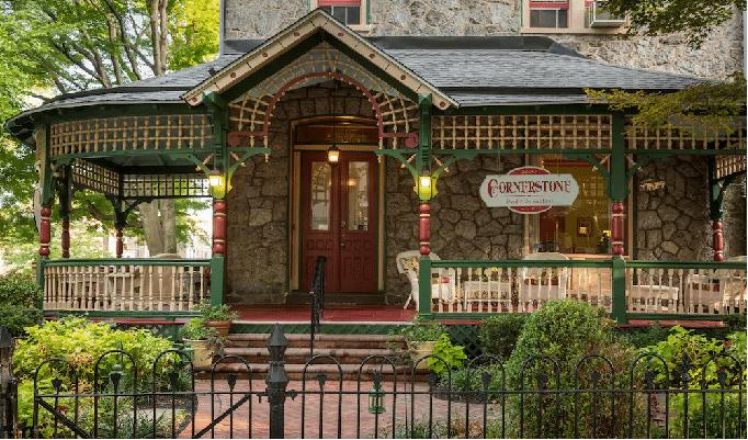 Cornerstone Bed & Breakfast Hotels on Roosevelt Blvd