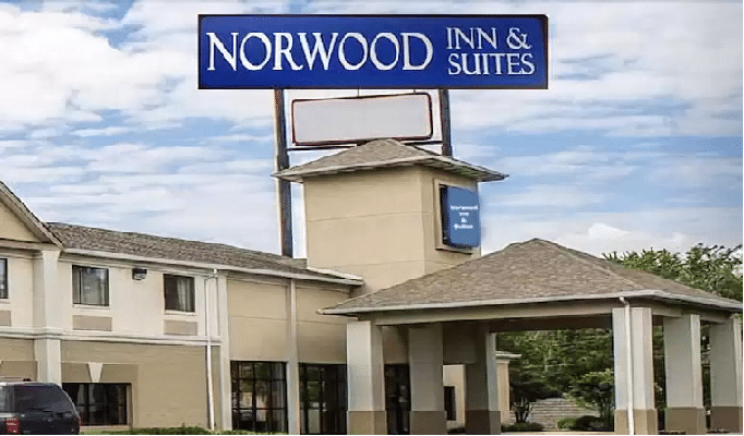 Norwood Inn & Suites North Conference Center