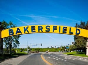 things to do in bakersfield at night